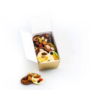 Discuri din ciocolată asortată cu fructe confiate, 200g
