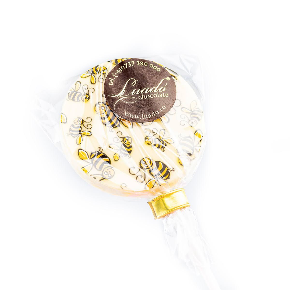 Acadea rotundă din ciocolată albă