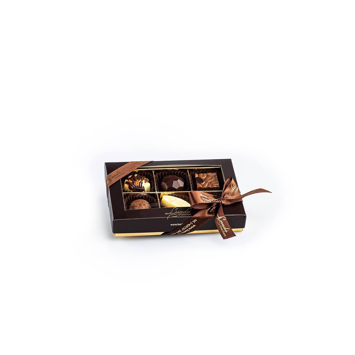 cutie maro cu 6 praline